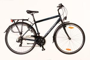 Férfi treking kerékpár